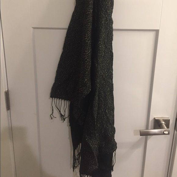 Accessories - Black and gold scarf/wrap